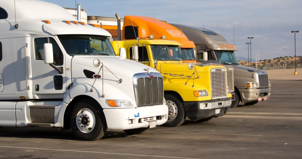 Truckers at stop e-filing IRS 2290 with express truck tax
